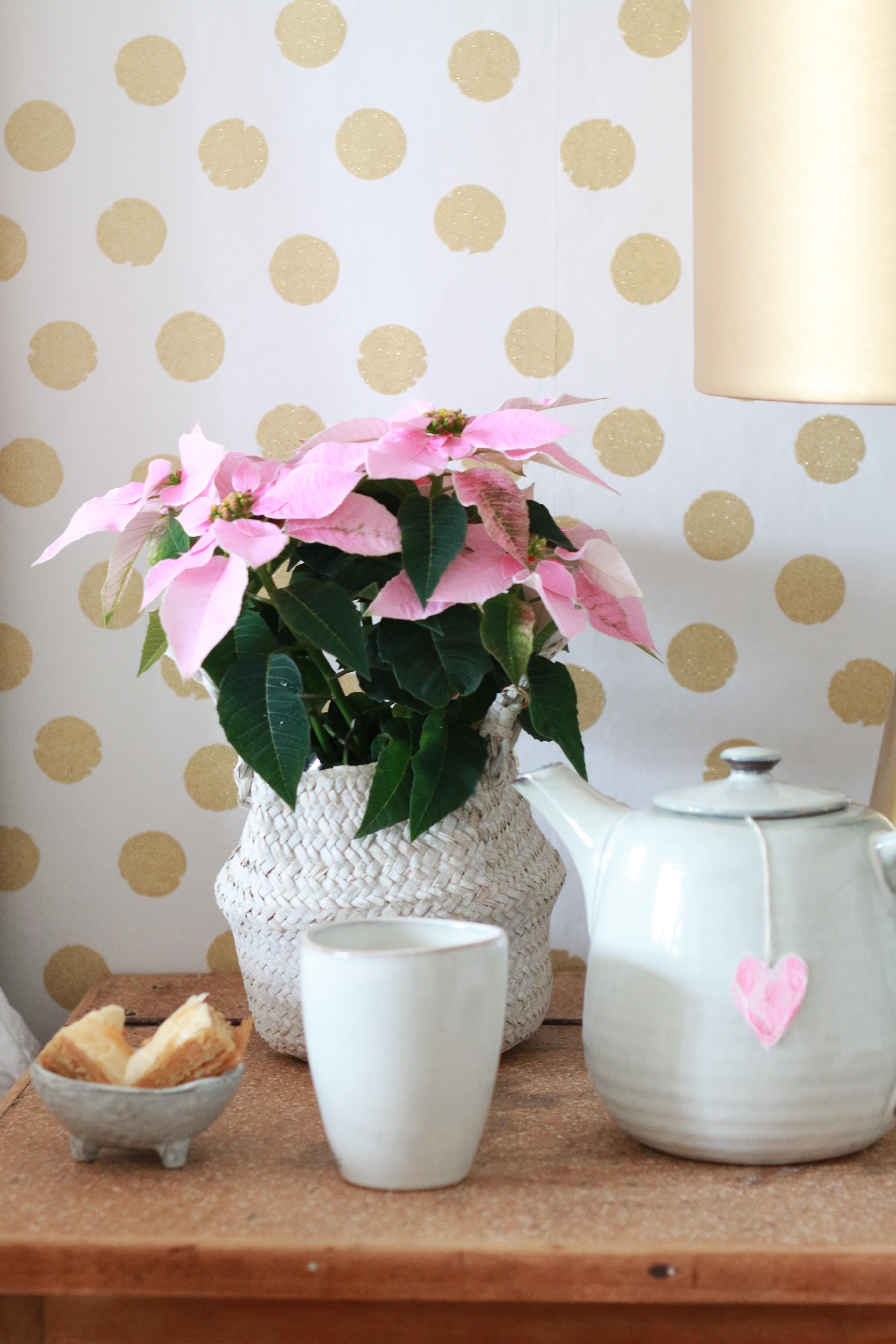 tapete wei mit goldenen punkten. Black Bedroom Furniture Sets. Home Design Ideas